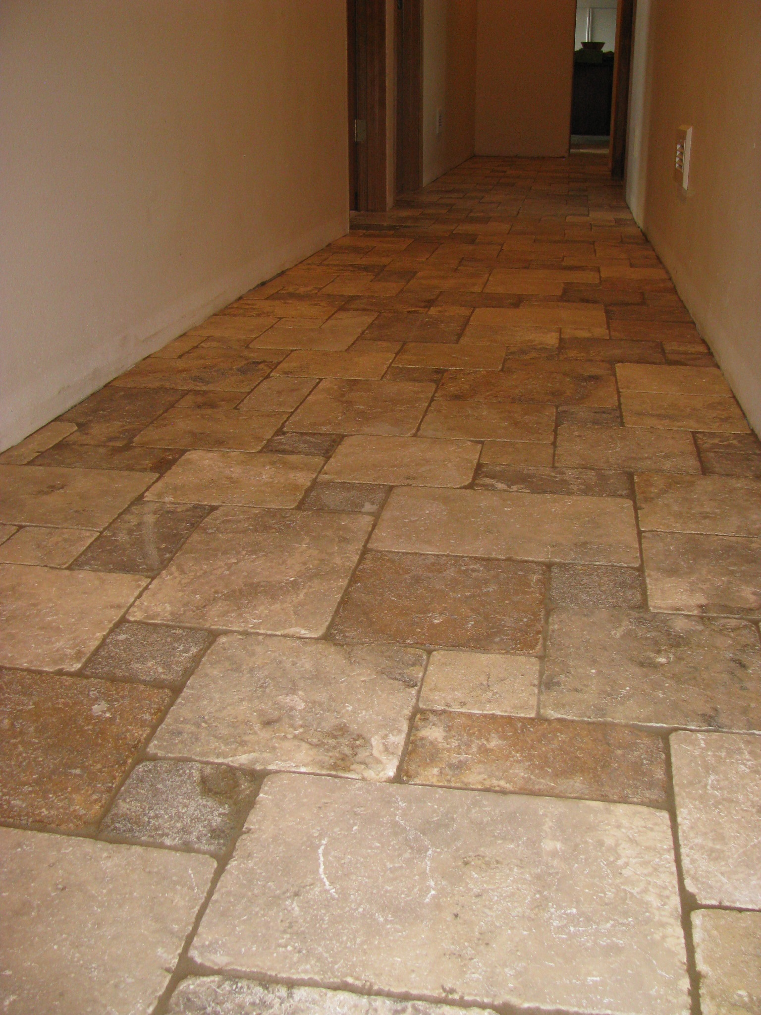 Floors tile bend oregon brian stephens tile inc tumbled travertine floor asymmetrical setting dailygadgetfo Gallery